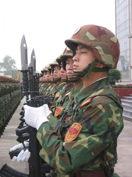 800px-Honor_guard_of_the_People's_Liberation_Army.jpg