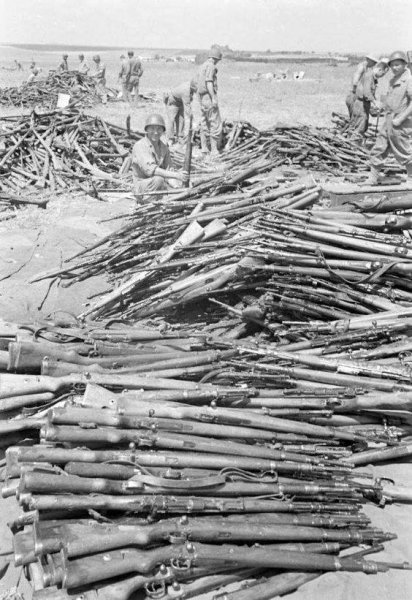 K98 rifles surrendered by germans.jpg