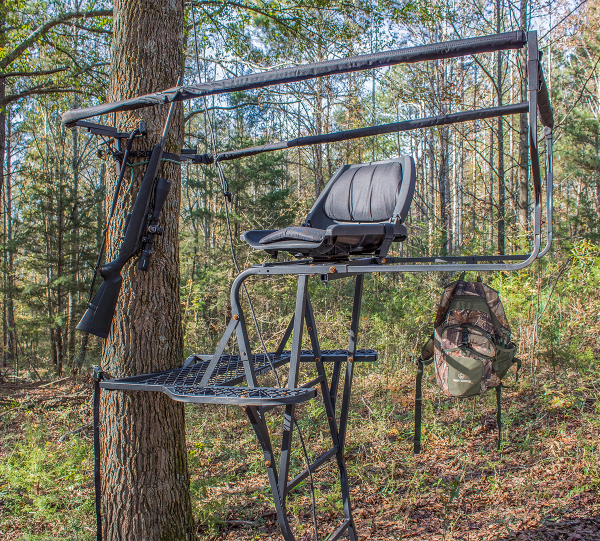 Skunk-Ape-Tree-Stand-.png