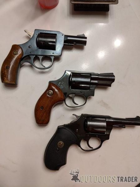 three-revolvers-02-jpg.3344275