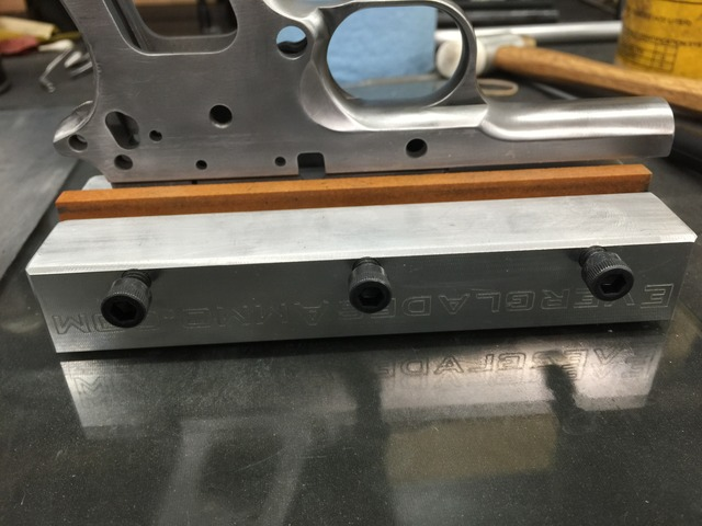 Review: Everglades Ammo 1911 frame rail sanding/stoning tool