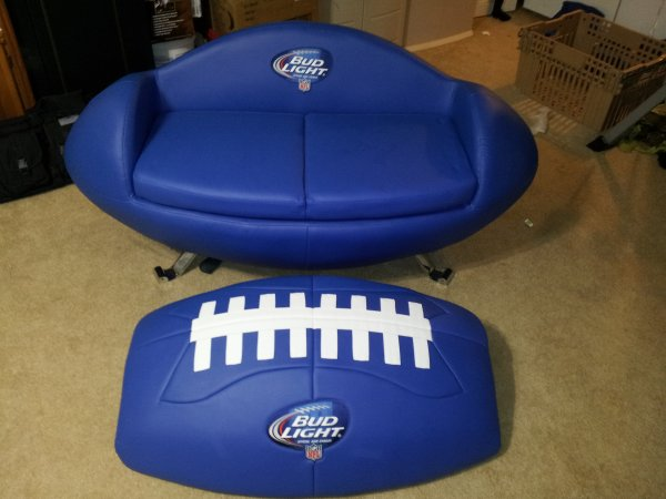 Fs ft budlight tailgate couch with cooler the outdoors for Coole couch